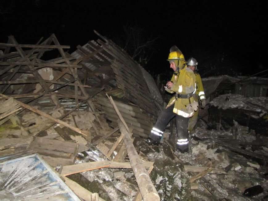 Взрыв в Мелитополе: дом разрушен, а 19-летний парень с ожогами в больнице (фото), фото-5