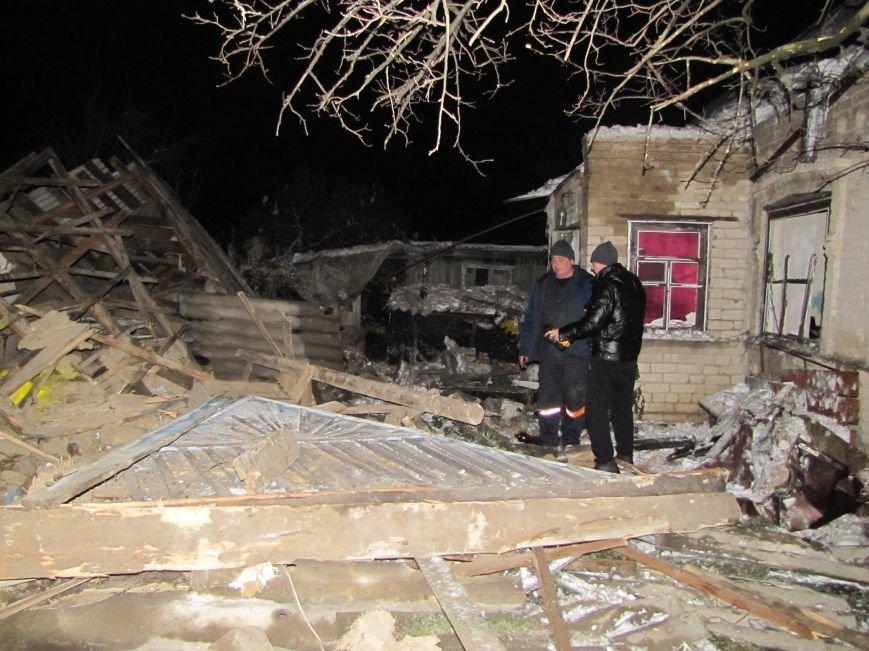 Взрыв в Мелитополе: дом разрушен, а 19-летний парень с ожогами в больнице (фото), фото-11