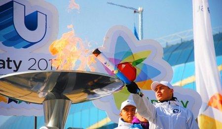 в-Алматы-зажжен-факел-Универсиады