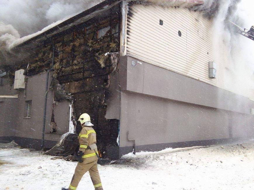 Над горящим в Сумах «Бетоном» нависла дымовая завеса (ФОТО+ВИДЕО), фото-5
