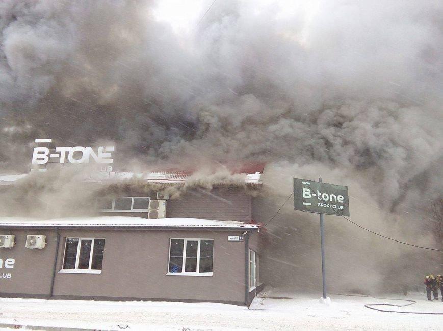 Над горящим в Сумах «Бетоном» нависла дымовая завеса (ФОТО+ВИДЕО), фото-2