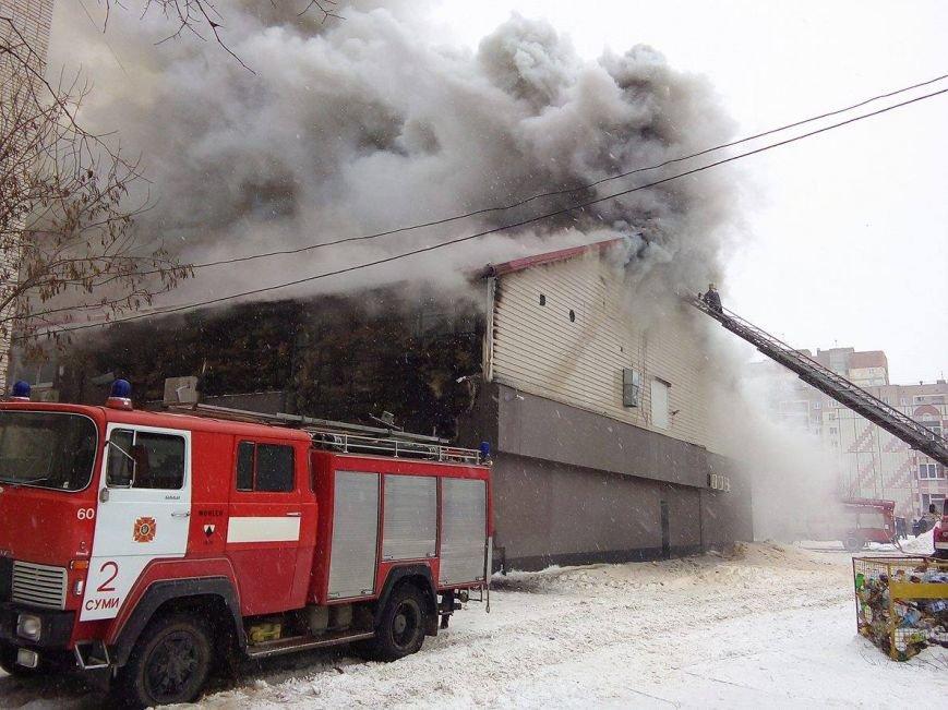 Над горящим в Сумах «Бетоном» нависла дымовая завеса (ФОТО+ВИДЕО), фото-4