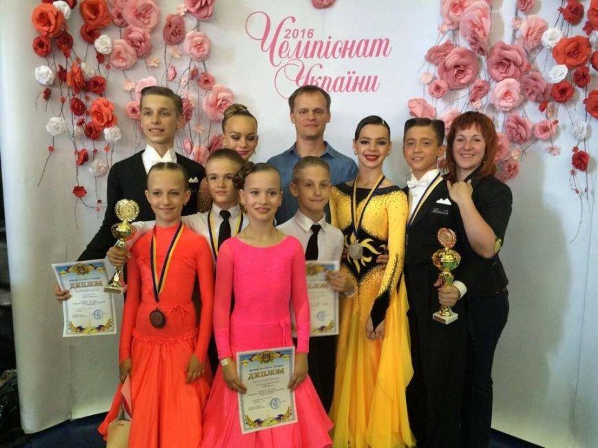 Более трех сотен золотых медалей завоевал чемпион мира по спортивным танцам из Мелитополя (фото), фото-7