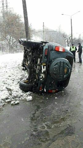 На Салтовке во время движения перевернулся автомобиль (ФОТО), фото-2