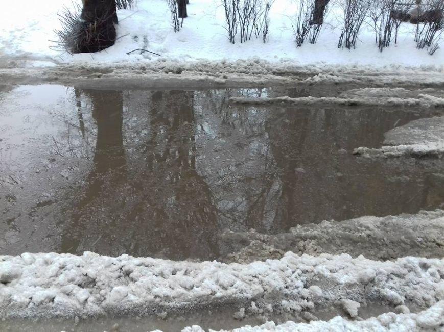 Опять двойка: запорожские коммунальщики не справляются с уборкой улиц от снега, - ФОТО, фото-1