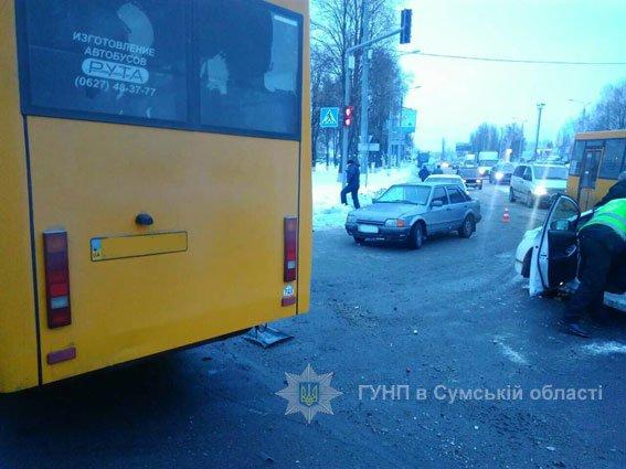 ДТП в Сумах: пострадали два человека (ФОТО), фото-1