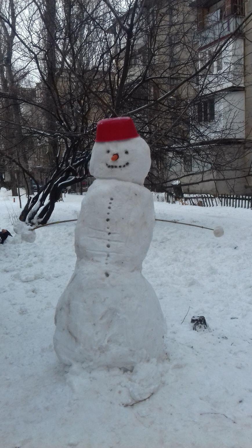 В Одессе из снега вылепили Дарта Вейдера, Крокодила Гену и настоящего мужика (ФОТО), фото-3