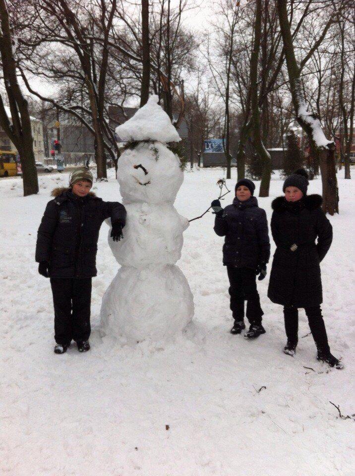 В Одессе из снега вылепили Дарта Вейдера, Крокодила Гену и настоящего мужика (ФОТО), фото-16