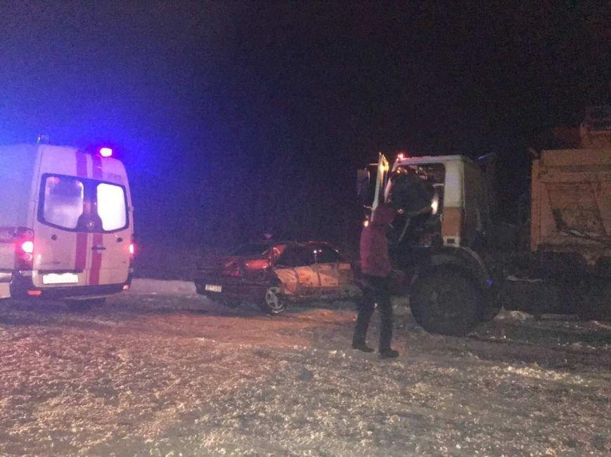 В Новополоцке легковушка врезалась в снегоуборочный МАЗ – очевидцы. ФОТОФАКТ, фото-1