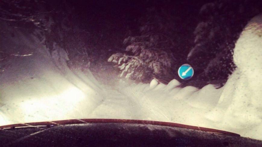 На Ай-Петри около 2 часов назад сошли две снежные лавины, фото-2