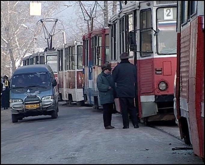 tramvai_stoyat