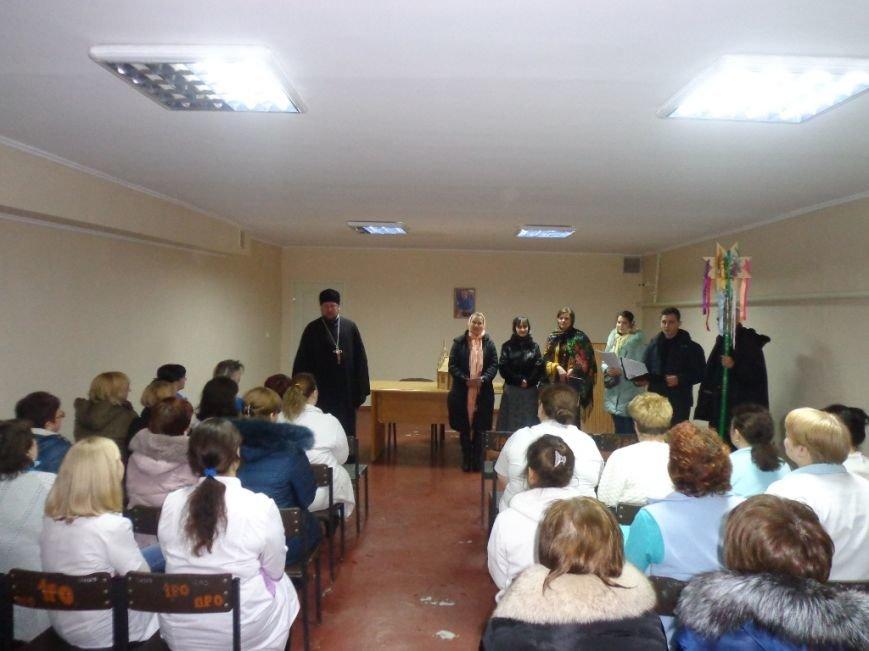 Благочинный церквей и православный хор поздравили мелитопольцев с праздниками (фото), фото-4
