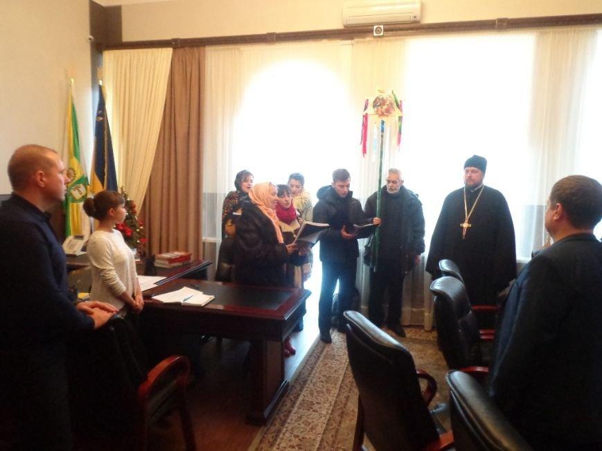 Благочинный церквей и православный хор поздравили мелитопольцев с праздниками (фото), фото-2