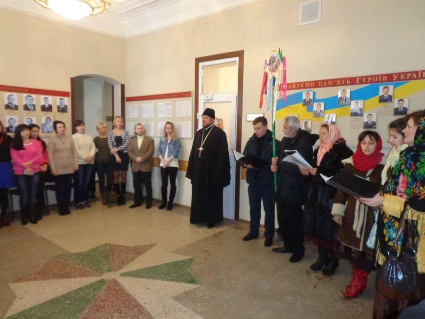 Благочинный церквей и православный хор поздравили мелитопольцев с праздниками (фото), фото-1