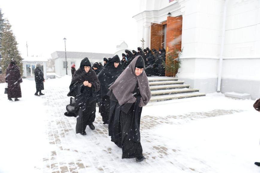 Митрополит Павел возглавил литургию в Полоцком Спасо-Евфросиниевском монастыре. ФОТО, фото-7