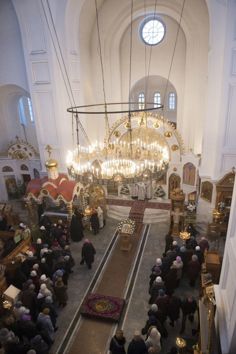 Митрополит Павел возглавил литургию в Полоцком Спасо-Евфросиниевском монастыре. ФОТО, фото-5