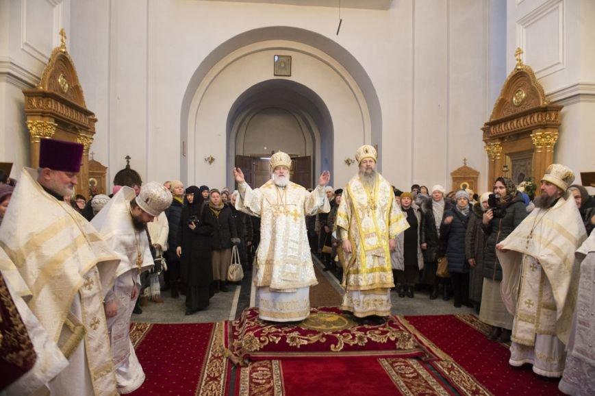 Митрополит Павел возглавил литургию в Полоцком Спасо-Евфросиниевском монастыре. ФОТО, фото-1