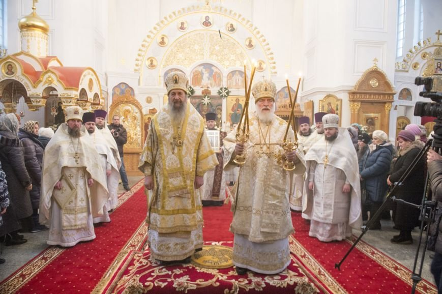 Митрополит Павел возглавил литургию в Полоцком Спасо-Евфросиниевском монастыре. ФОТО, фото-3