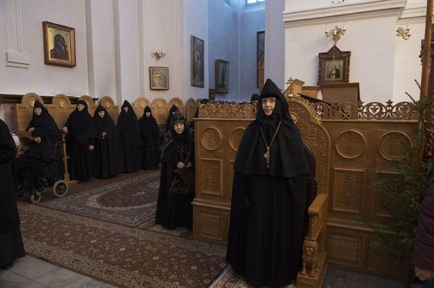 Митрополит Павел возглавил литургию в Полоцком Спасо-Евфросиниевском монастыре. ФОТО, фото-4