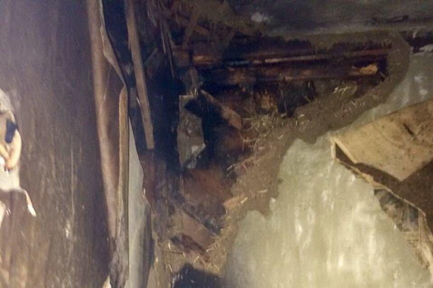Под Харьковом загорелся дом. Соседи успели спасти двоих жильцов (ФОТО), фото-4