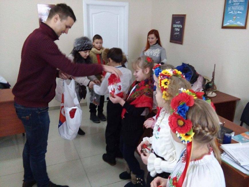 В редакции сайта Сум 0542.ua щедровали маленькие сумчане (ФОТО+ВИДЕО), фото-3