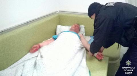 В Одессе мужчина порезал себе вены и никого к себе не подпускал (ФОТО), фото-1