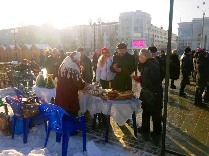 «Щедрий вечір, добрий вечір»: херсонцы вовсю празднуют (фото), фото-2