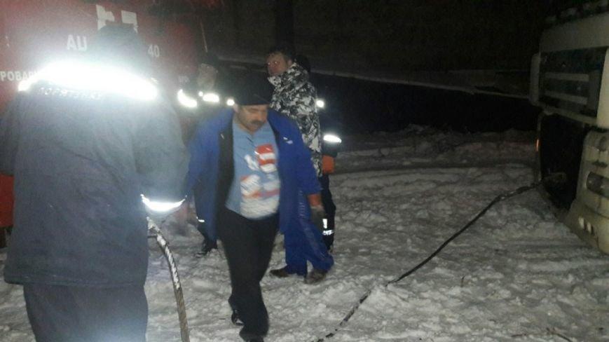 В Броварах рятувальники надали допомогу водію, який потрапив у сніговий замет, фото-1