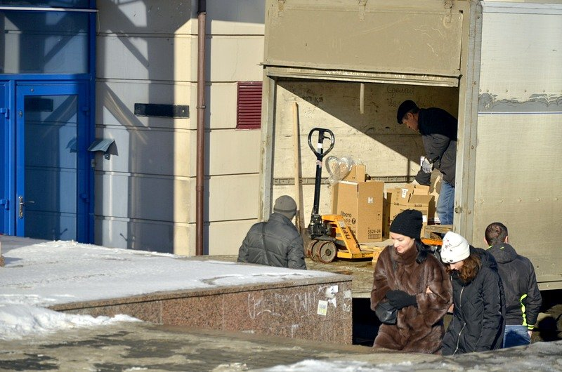 В Одессе грузовики возле магазинов осложнили ситуацию на дорогах (ФОТО), фото-14