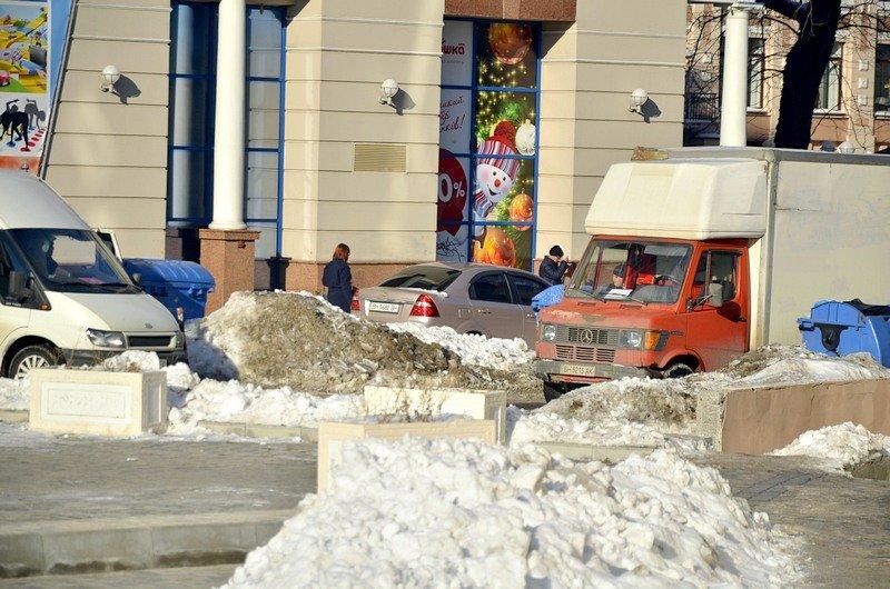 В Одессе грузовики возле магазинов осложнили ситуацию на дорогах (ФОТО), фото-13