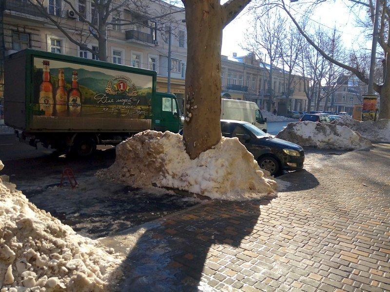 В Одессе грузовики возле магазинов осложнили ситуацию на дорогах (ФОТО), фото-18