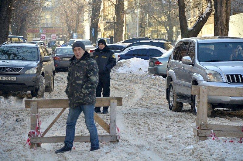 Автохамы оккупировали переулок в центре Одессы (ФОТО), фото-2