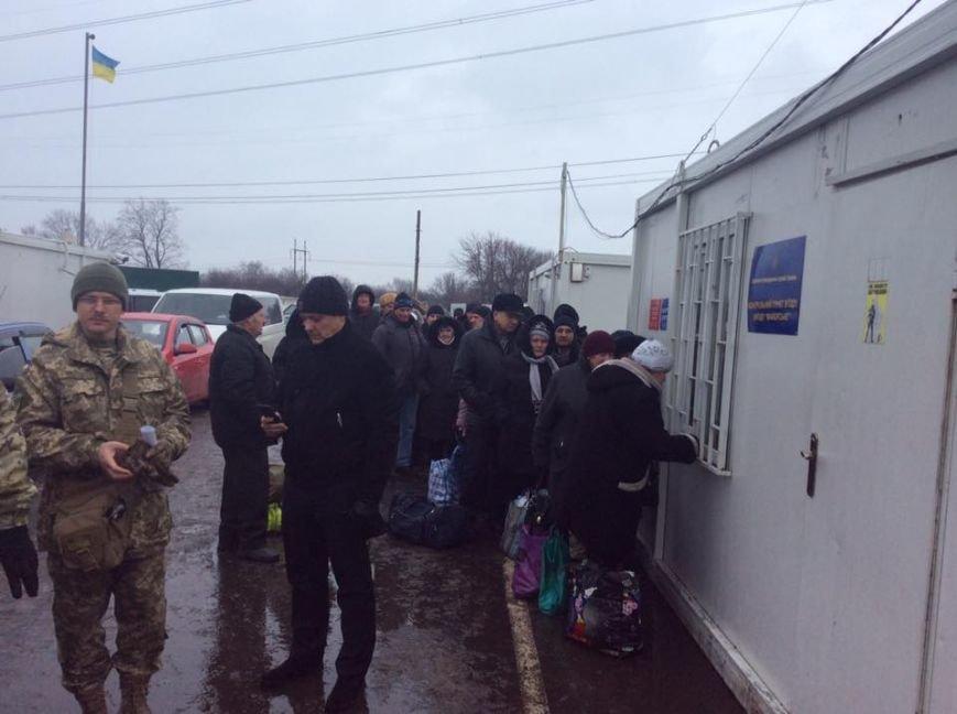 До сих пор ни одного решения суда по вопросам злоупотреблений на КПВВ в Донбассе нет - Геращенко, фото-2