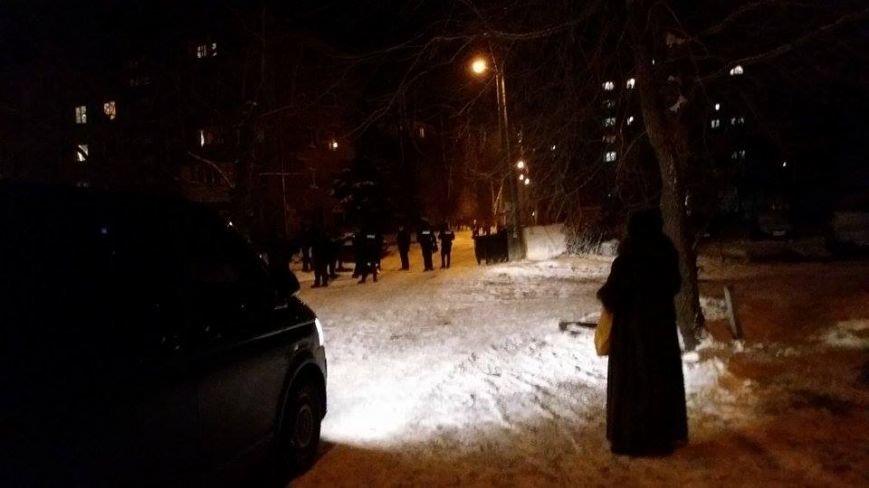 В Днепровском районе мужчина добровольно отдал гранату правоохранителям, - ФОТО, фото-2