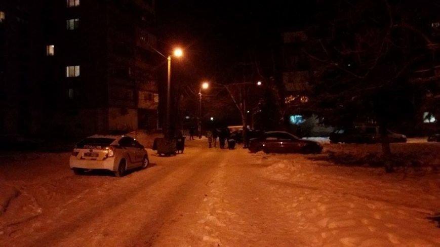 В Днепровском районе мужчина добровольно отдал гранату правоохранителям, - ФОТО, фото-3