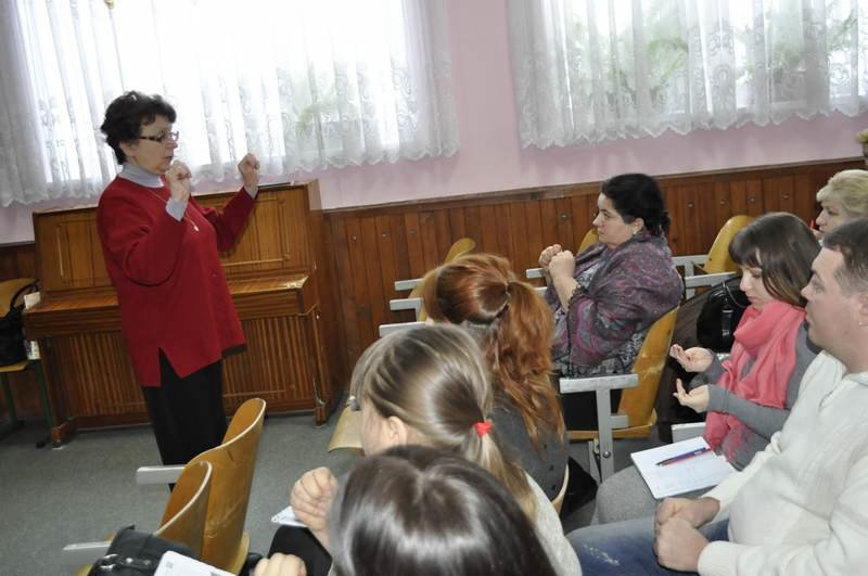 Вчителі та психологи Броварів відвідали семінар від «Академії неперервної освіти» (Фото), фото-1