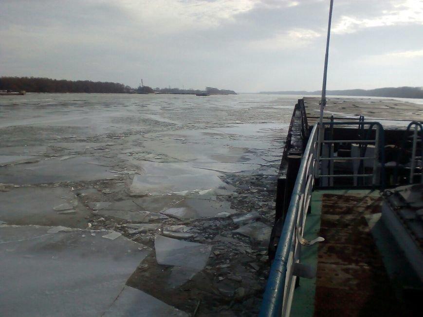 По Дунаю поплыли огромные льдины (ФОТО), фото-3