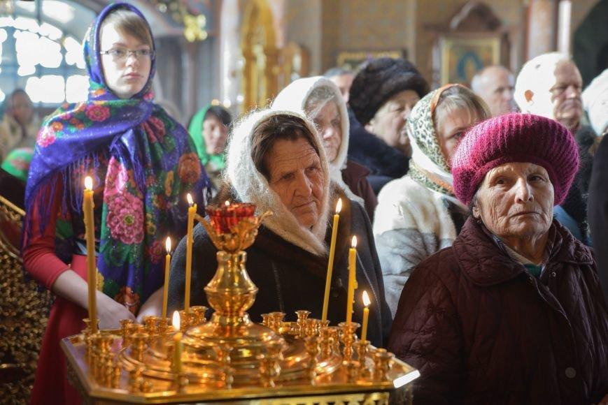 В Свято-Покровском храме прихожане соревновались в исполнении колядок и щедривок, фото-2