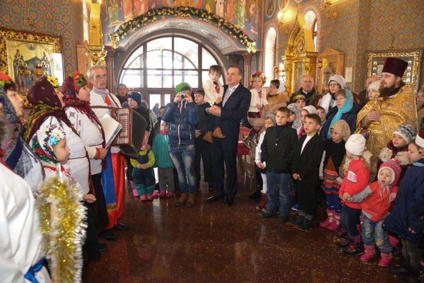 В Свято-Покровском храме прихожане соревновались в исполнении колядок и щедривок, фото-5