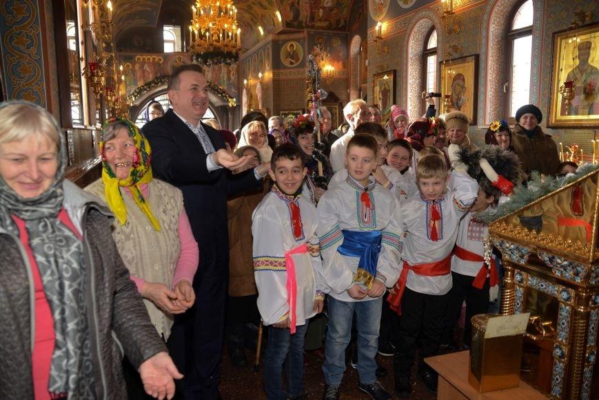В Свято-Покровском храме прихожане соревновались в исполнении колядок и щедривок, фото-3