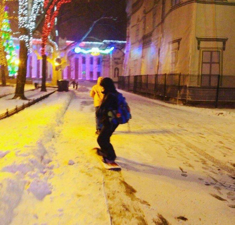Приморский бульвар в Одессе облюбовали сноубордисты (ФОТО), фото-1