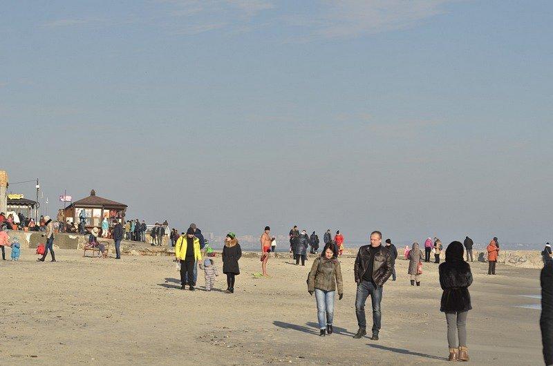 Одесситы вышли к морю греться на солнце (ФОТО), фото-10