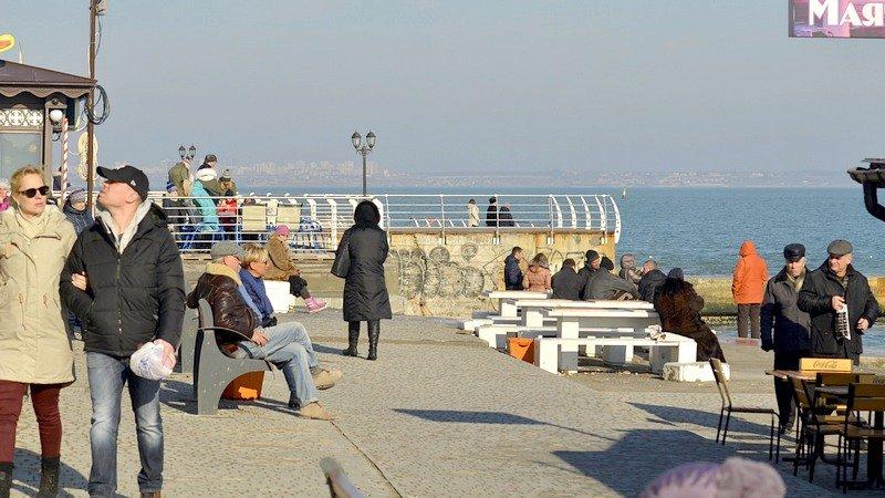 Одесситы вышли к морю греться на солнце (ФОТО), фото-5