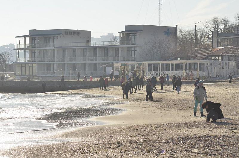 Одесситы вышли к морю греться на солнце (ФОТО), фото-9