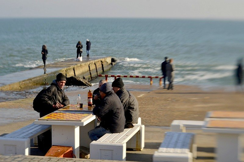 Одесситы вышли к морю греться на солнце (ФОТО), фото-2