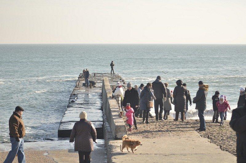 Одесситы вышли к морю греться на солнце (ФОТО), фото-3