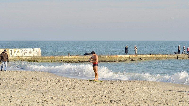 Одесситы вышли к морю греться на солнце (ФОТО), фото-7