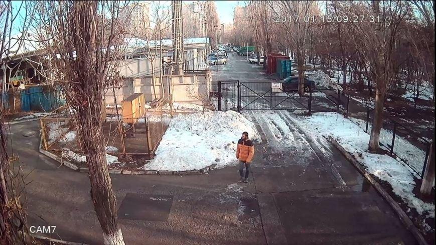 Одесского похитителя велосипедов сняла видеокамера, фото-1