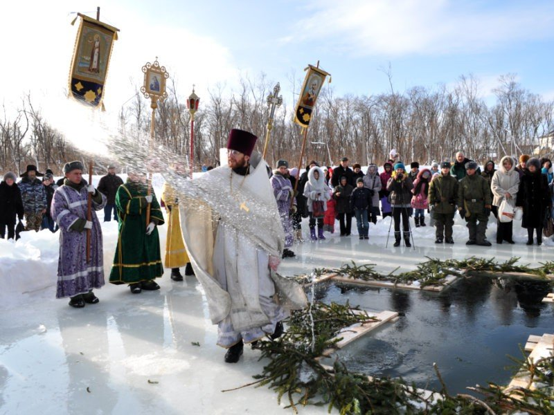 МЧС просит саратовцев соблюдать правила безопасности на Крещение, фото-1