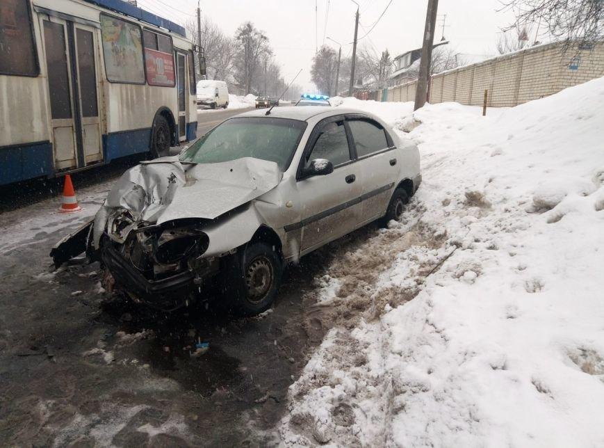 В Харькове после столкновения с авто маршрутка сбила пешехода (ФОТО), фото-2